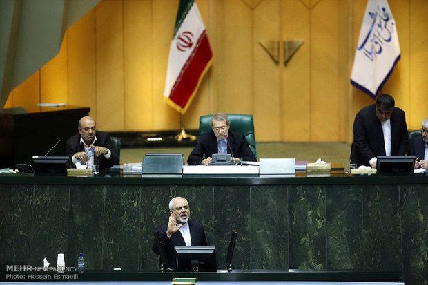 ظريف : مفاوضونا اثبتوا بأن برنامجنا الصاروخي والعسكري لن يخضع للمساءلة