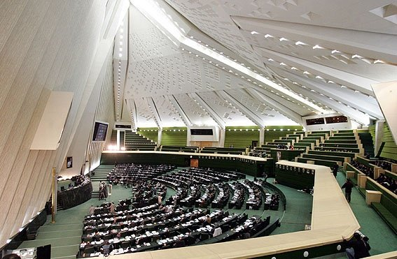 «عضویت اقلیت های دینی در شوراها» به مجمع تشخیص رفت
