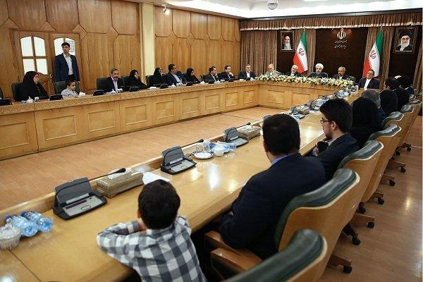 توجيهات قائد الثورة أعظم مصدر لنجاح الفريق النووي الإيراني المفاوض