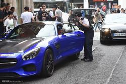 لندن میں عرب سیاحوں کی قیمتی گاڑیاں