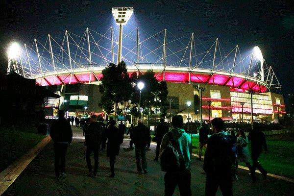 استقبال ۱۰۰ هزار نفری استرالیاییها از بازی رئال - من سیتی