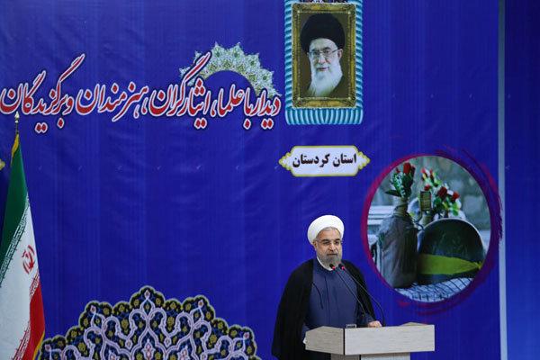 روحاني : الغرب يتوهم بانه حقق النجاح في المفاوضات النووية