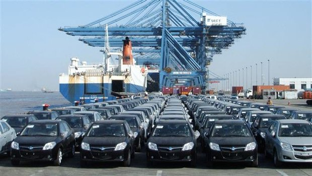 Iran drops auto imports by 55%