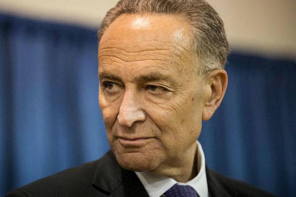 رهبر دموکراتهای سنا خواستار تشدید تحریمهای آمریکا علیه روسیه شد