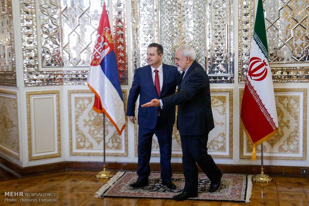 Zarif meets Serbian counterpart