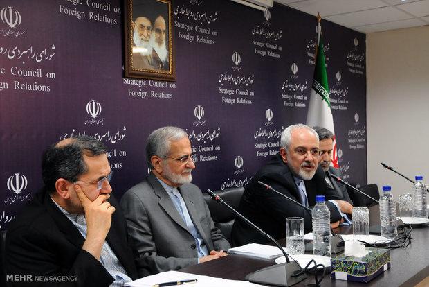 Negotiators answer academicians