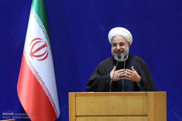 روحاني : الشعب الايراني يدعم المظلومين