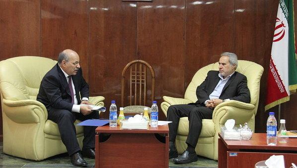 Azerbaycan elektrik firmalarının İran enerji sektörüne girmesinin yolu açıldı