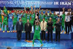 مراسم تتويج نادي تأسيسات دريائي الايراني بلقب بطولة الاندية الآسيوية لكرة القدم داخل الصالات