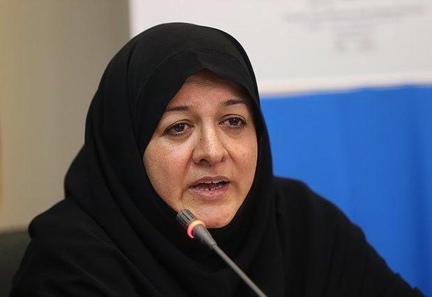 روحانی وعدههای سیاست داخلی را محقق کند/ اقدامات دولت کافی نیست