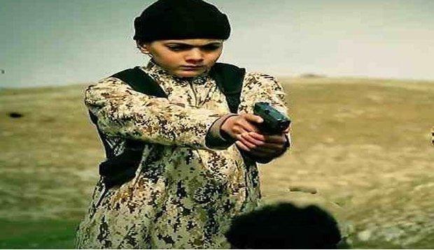 کوردی سووریا ۱۹ منداڵی داعشی ڕادەستی ئەورووپا کردەوە