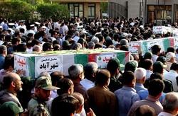 آئین تشییع ۱۰ شهید در بوشهر برگزار شد