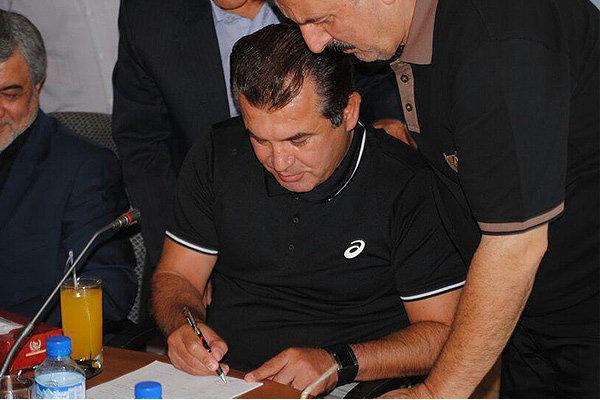 حمید استیلی قراردادش را امضا کرد/ پایان رافت در کادرفنی ملوان