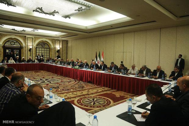 Zarif meets Lebanese officials