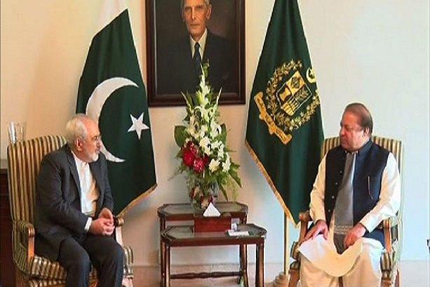 Zarif, Pakistani PM discuss regional issues