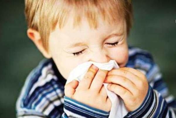 گلودرد در کودکان شایع تر است/شیوع ویروس ها در فصول سرد سال