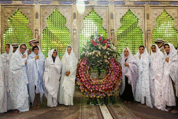 فارسیآموزان خارجی به مقام امام خمینی (ره) ادای احترام كردند