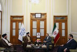 رئيس المجلس الاعلى الاسلامي العراقي يلتقي رئيس مجلس الشورى الاسلامي