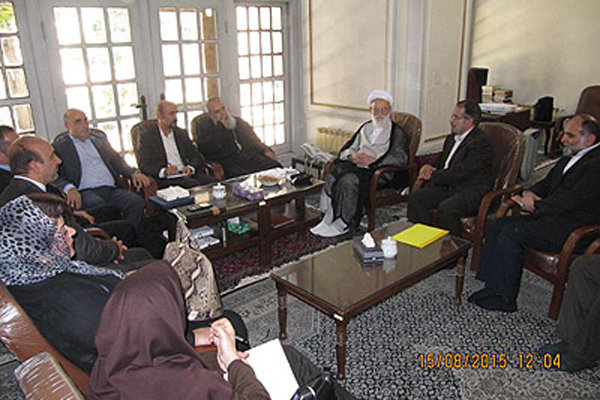 Cypriot Armenians' prelate meets with Ayat. Emami Kashani