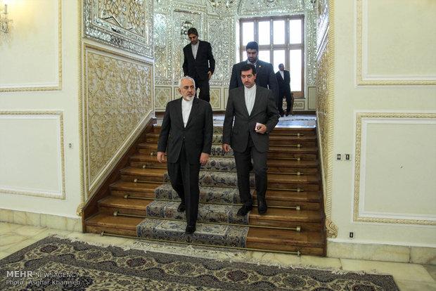 Zarif, Iraqi official meet