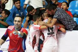 هجوم تماشاگران بازی گیتیپسند و شهید منصوری را نیمه تمام گذاشت