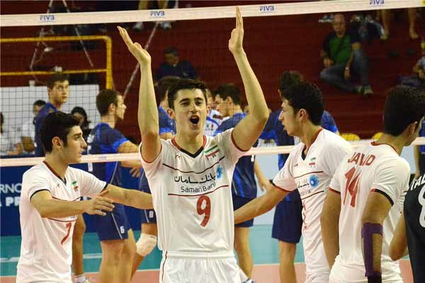 Iran U19 volleyball team dramatically defeats Italy