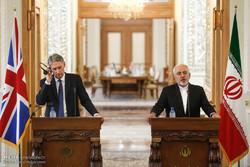 نشست خبری وزرای خارجه ایران و انگلیس