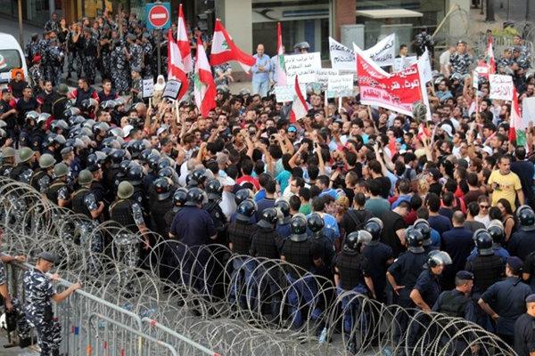 تظاهرات مردم لبنان در میدان شهدای بیروت
