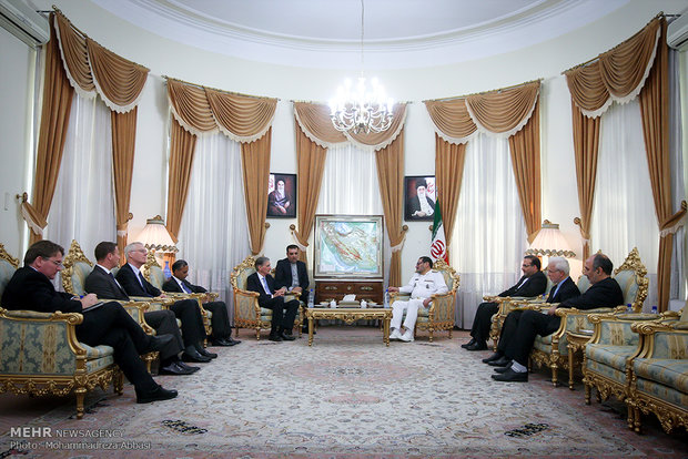 Shamkhani, British FM meet