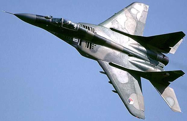 İran, Rusya'dan 2 model savaş uçağı alacak