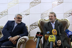 Larijani departs for US