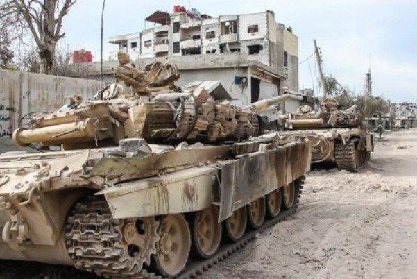 """الجيش السوري يحرر مناطق بريف حلب وروسيا تقصف """"داعش"""" بتدمر"""