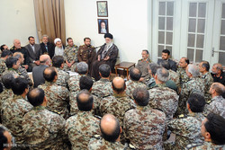 Leader receives Khatam al-Anbia commanders