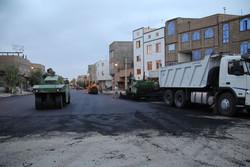 اجرای ۳۵۰۰ مترمربع آسفالت در مسیرهای منتهی به زیرگذر آزادی کرمان