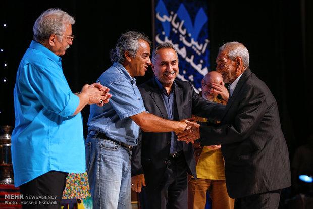 اختتامیه هفدهمین جشنواره آیینی و سنتی تجلیل از سه هنرمند آیینی/ وقتی تئاتریها کودکان بیمار را خند