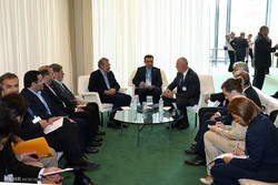 Larijani meets European speakers