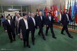 Larijani meets anti-Zionist Jews, Asian, European counterparts