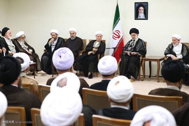 قائد الثورة الاسلامية : استمرار الحظر  سيؤدي الى انهيار الاتفاق النووي
