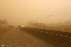 طوفان و گرد و غبار شدید در منطقه هشت بندی