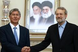 دیدار علی لاریجانی و رئیس جمهور قرقیزستان