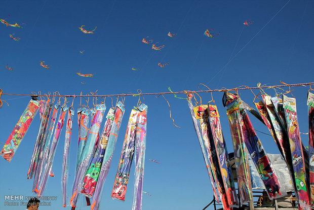 جشنواره بادبادکها در خشت سر محمودآباد