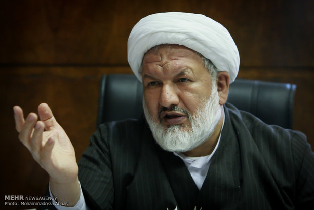 گفتگو با حجت السلام علی رازینی