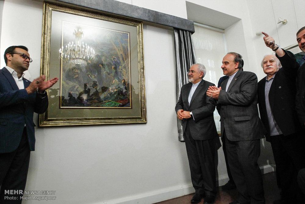 ازاحة الستار عن لوحتين جديدتين للفنان محمود فرشجيان