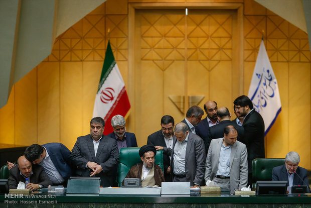 Parl. begins 10th session on reviewing JCPOA
