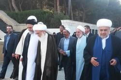 آیت الله در جمع شیعیان آران/ دیپلماسی مذهبی را جدی بگیریم