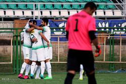 دیدار تیمهای فوتبال ذوبآهن و بادران گستر تهران