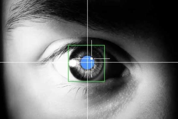 تایپ حروف با حرکات چشم/ ابداع دستگاهی برای بیماران جسمی حرکتی