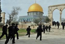 قوات إسرائيلية تشتبك مع المرابطين في المسجد الاقصى