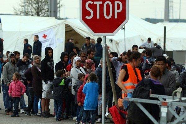 باز شدن مرز اسلوونی به روی پناهجویان/ استقبال مردم نروژ