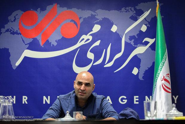 گفتگو با علی مسعودی نویسنده و طنزپرداز